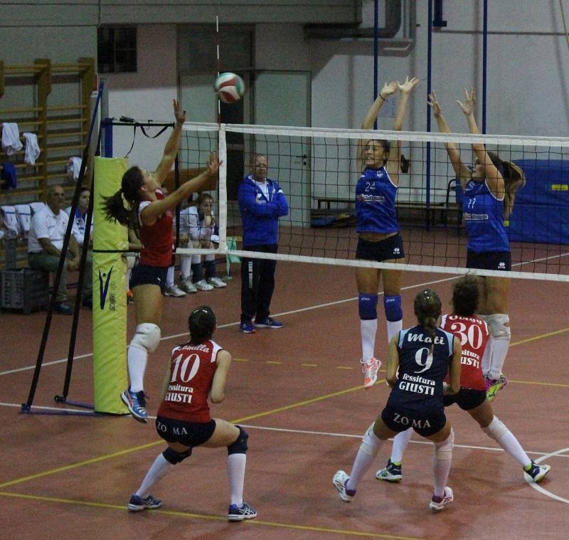 Prato Volley Project C f Scipioni in attacco