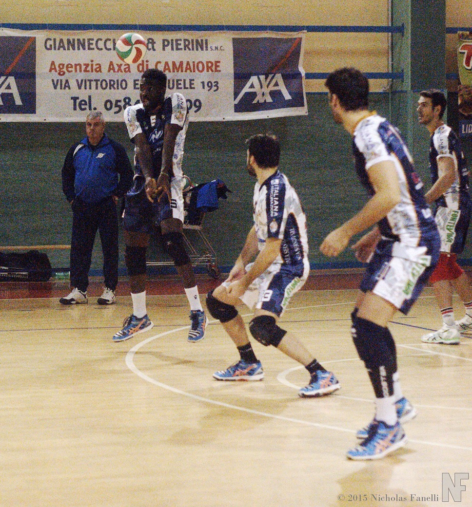 Massa cede in casa al modena est italia volley for Casa modena volley